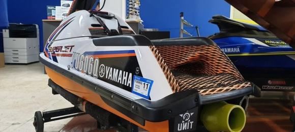 Used-2016-Superjet Yamaha Waverunner